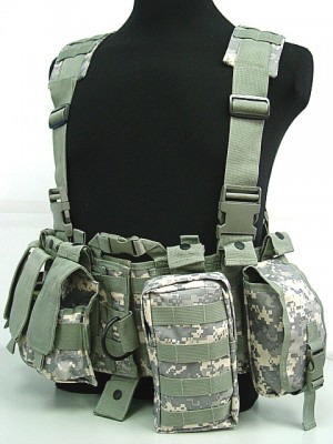 US Delta Force Elite Hydration Molle Vest Digital ACU Camo